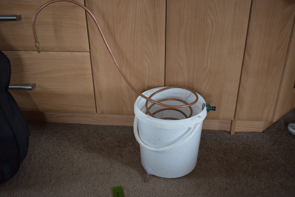 worm condenser, bucket, how to make